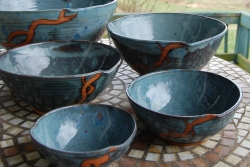 Set of Five Nesting Serving Bowls in Slate Blue and Rust Chain