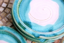 Round Dinner Plate in Turquoise and White