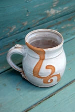 Shale Mug with Rust Waves