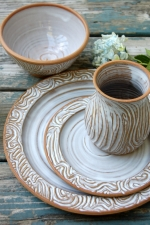 Four Piece Rooted Dinnerware Place Setting in Shale
